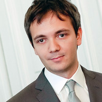 Dmitri Nesteruk headshot