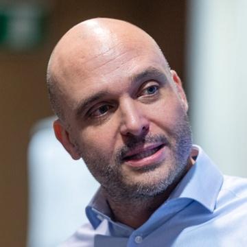 Yves Hilpisch headshot
